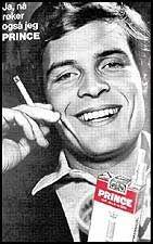 «Ja, nå røker også jeg PRINCE», proklamerte kjendisene smilende for 25 år siden. Siden har de fleste kommet på bedre tanker. Roald Øyen var blant dem som stod frem som Prince-røyker, selv om han aldri har rørt en sigarett i hele sitt liv. I forbindelse med Verdens røykfrie dag i dag, utfordret Stiftelsen Robert Lunds Minnefond Øyen til å ta et oppgjør med sin rolle som markedsfører for tobakksprodukter. Øyen tok utfordringen: