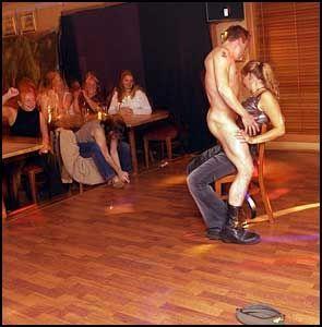 dame søker sex mannlig stripper oslo