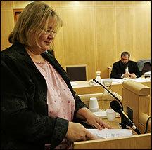 VITNET: Kommunalminister Erna Solberg vitnet i dag i saken mullah Krekar har anlagt mot staten. Foto: Scanpix