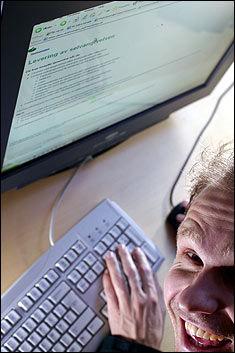 SJEKK SKATTEN I DAG: I dag kan du sjekke om det blir restskatt eller ekstra penger til ferien på Skatteetatens nettsider. Foto: Espen Sjølingstad Hoen