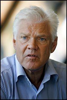 I RESPIRATOR: Spiondømte Arne Treholt ligger i respirator. Foto: SCANPIX