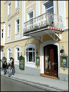 KURHOTEL: Hele byen er full av kurhotel og spa-anlegg. Foto: Jørgen Lyngvær.