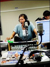 SMERTESKRIK: P3-lytterne fikk høre mange skrik fra Mina Hadjian under dagens sending. Foto: Trond Sørås