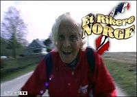 Britt (87) er rullatortester!