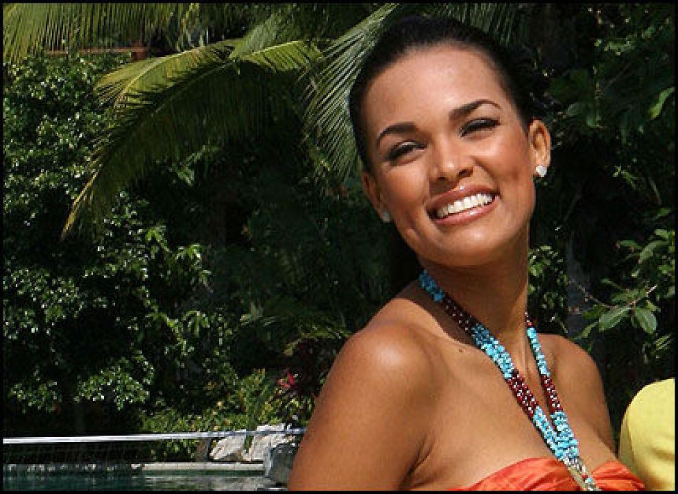 SKJØNNHET: Ada Aimee De La Cruz (21) vinner Miss World hvis bettingselskapene har rett. Foto: AFP