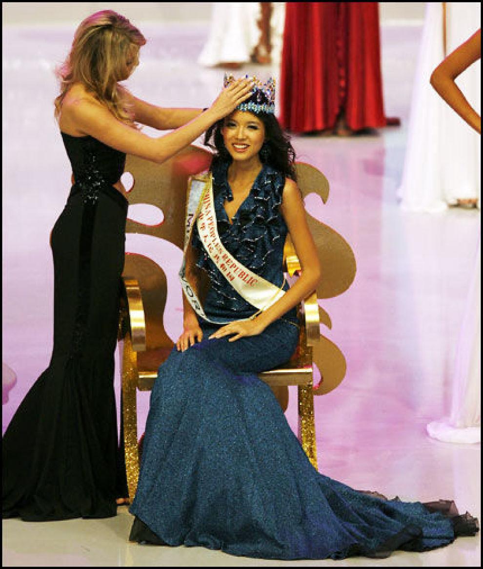 VINNEREN: Zi Lin Zhang (23) fra Kina vant Miss World. Foto: AFP