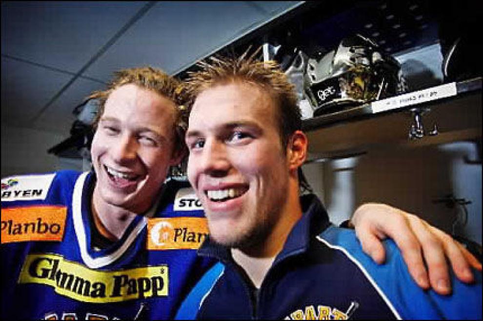 TIL NHL? Jonas Holøs (t. h.), her sammen med Martin Røymark fra tiden i Sparta. Foto: Bjørn Frostad, VG