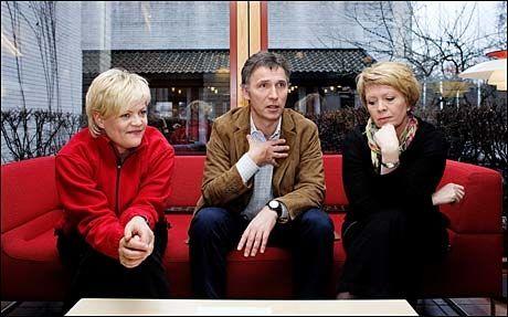 SLITER: Den rødgrønne regjeringen med Kristin Halvorsen (t.v.), Jens Stoltenberg og Åslaug Haga (gått av) er ikke veldig populære hos velgerne. Foto: VG
