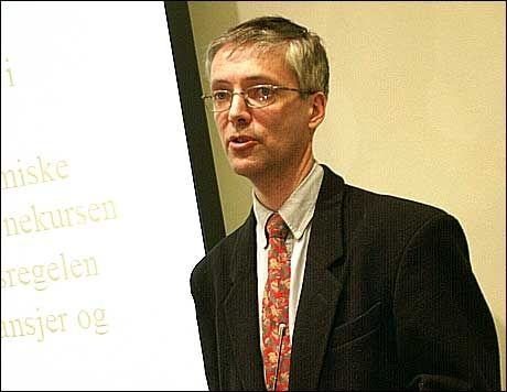ENIG: Professor Steinar Holden er enig med Kristin Halvorsen i at vi ikke kan stoppe å bruke penger. Foto: Scanpix
