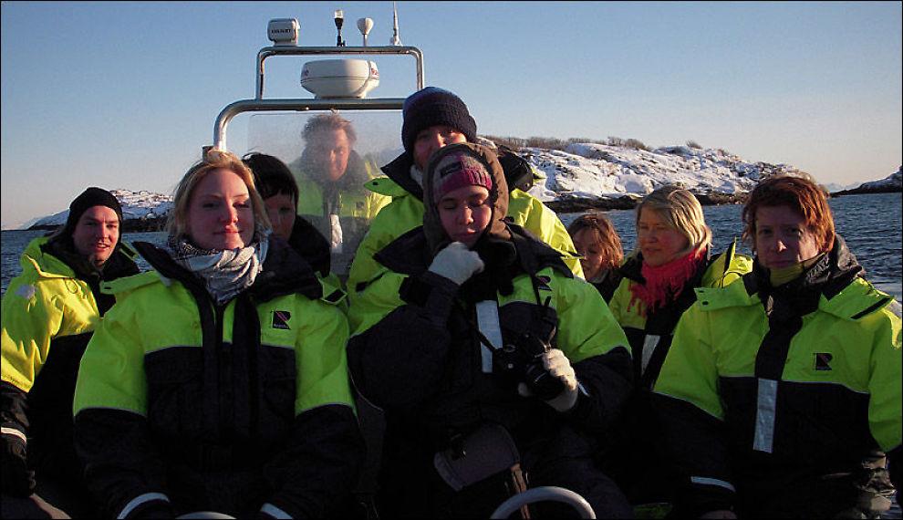 PÅ TUR: Lederne for ungdomspartiene er på tur i Lofoten, og ruster seg til politisk kamp mot oljeboring utenfor Lofoten og Vesterålen. Foto: Kjell Ingolf Ropstad
