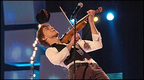 «FAIRYTALE»: Alexander Rybak synger «Fairytale». Foto: Andreas Fosse