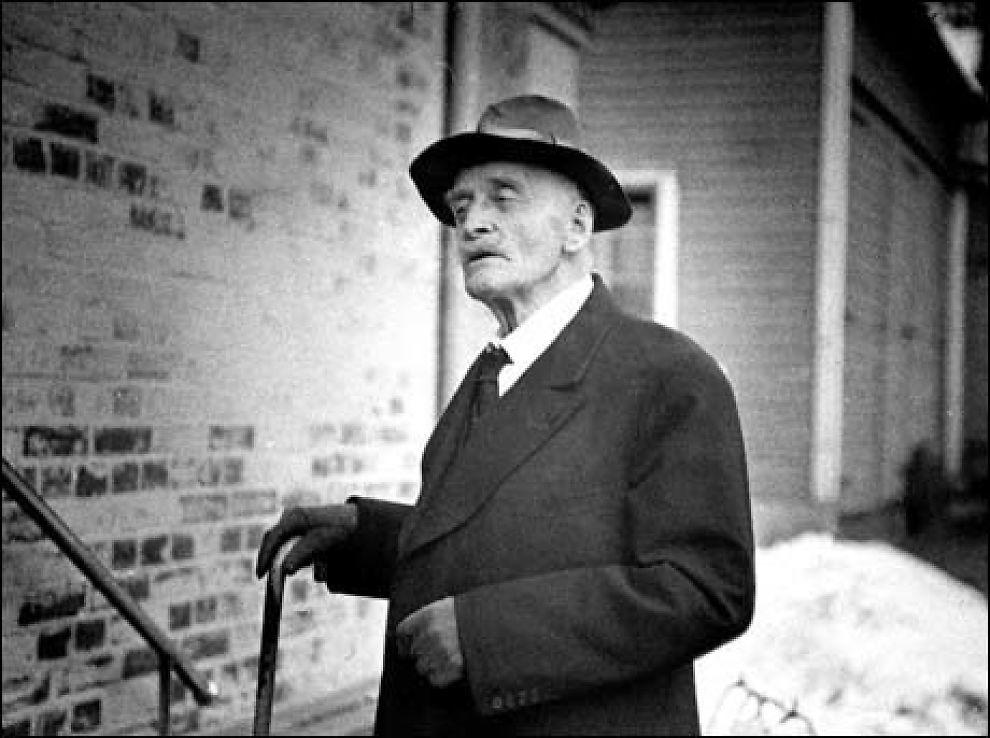 NAZISYMPATISØR: Dikteren Knut Hamsun hylles for sitt litterære arbeid, men er fortsatt en kontroversiell mann. Foto: VG