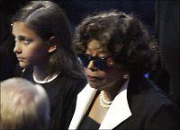 Bestemor (79) får ansvaret for Jackson-barna