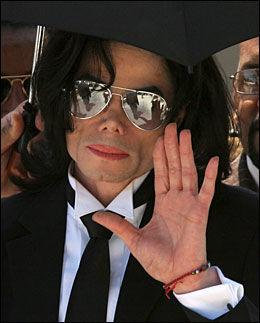 FREDSPRIS? Mener du at Michael Jackson fortjener Nobels fredspris? I så fall er du ikke alene. Foto: EPA