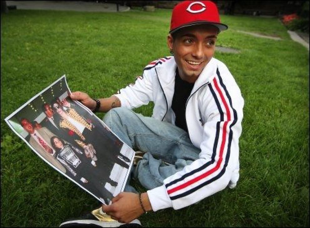 KAN VÆRE JACKSONS SØNN: Omer Bhatti har vært i Los Angeles sammen med Jacksons familie helt siden poplegenden døde 25. juni i år.Foto: SCANPIX