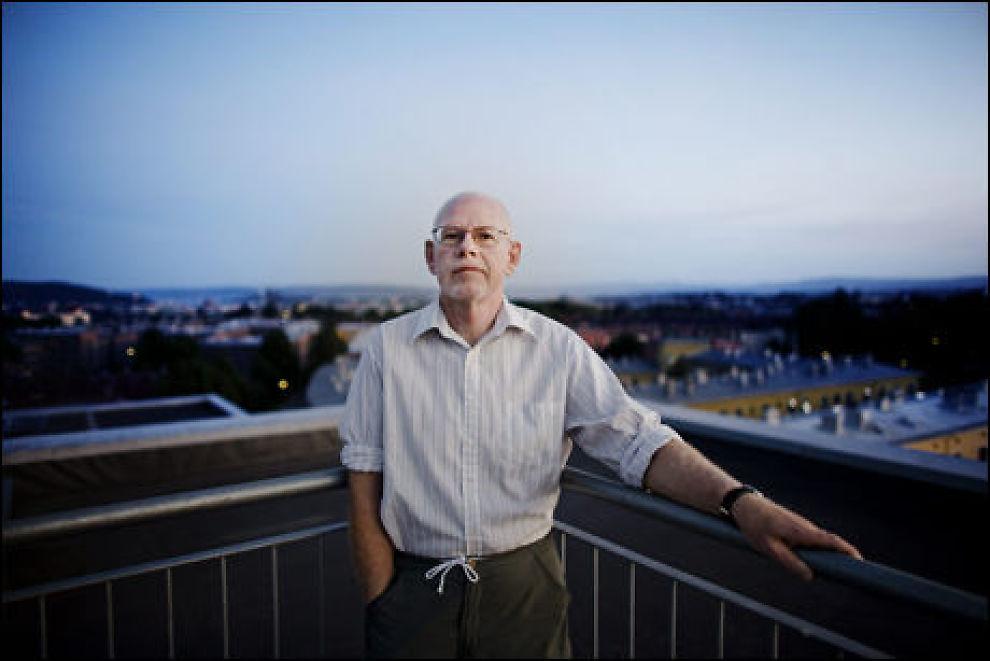 OVERRASKET: Smittevernoverlege Tore W. Steen sier til VG at han håper folk ombestemmer seg og lar seg vaksinere. Foto: Markus Aarstad