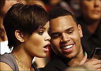 Chris synger til Rihanna