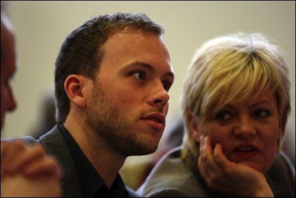 VIKTIG POSISJON: SV-nestleder Audun Lysbakken tar over som partiets parlamentariske leder. Her sammen med Kristin Halvorsen under partiets landsmøte i mars. Foto: Hallgeir Vågenes