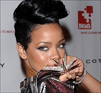 Rihanna setter fart på albumspekulasjoner