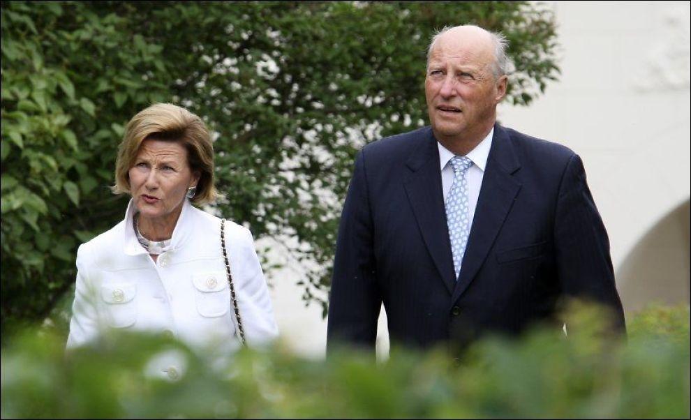 VAKSINERT: Kong Harald og dronning Sonja er vaksinert mot svineinfluensa. Foto: Scanpix