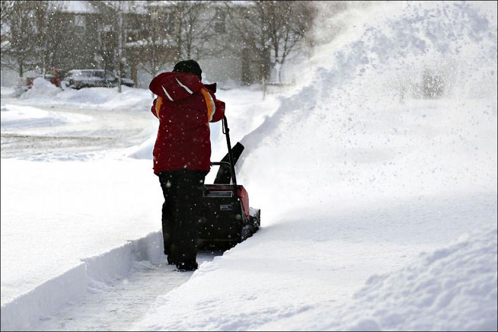 MED FJORÅRETS SNØMENGDER i tankene er det kanskje på tide å vurdere å gå til innkjøp av en snøfreser? Foto: StockXpert