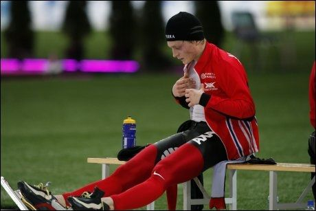 MUELLER-FAN: Håvard Bøkko har hatt noen tunge dager i forbindelse med Peter Muellers exit fra skøytelandslaget. Foto: Scanpix