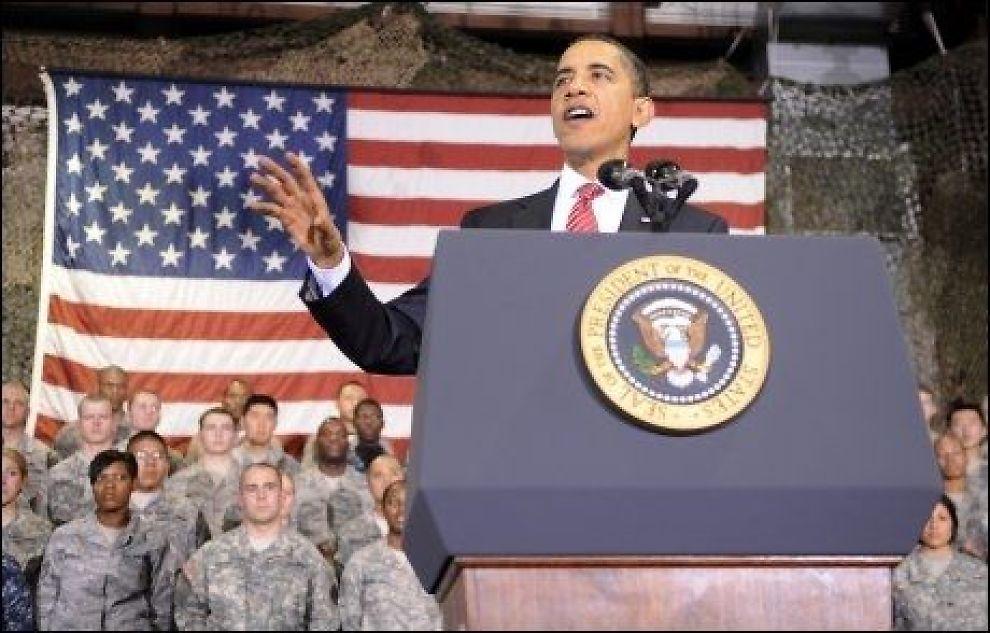 - UNNGÅR KRITISKE SPØRSMÅL: Fredsprisvinner Barack Obama kunne tjent på å møte pressen og publikum og orientere om Afghnistan og andre viktige saker når han kommer til Norge for å motta prisen, mener ekspert. Istedenfor avlyser han i stor stil. Foto: EPA