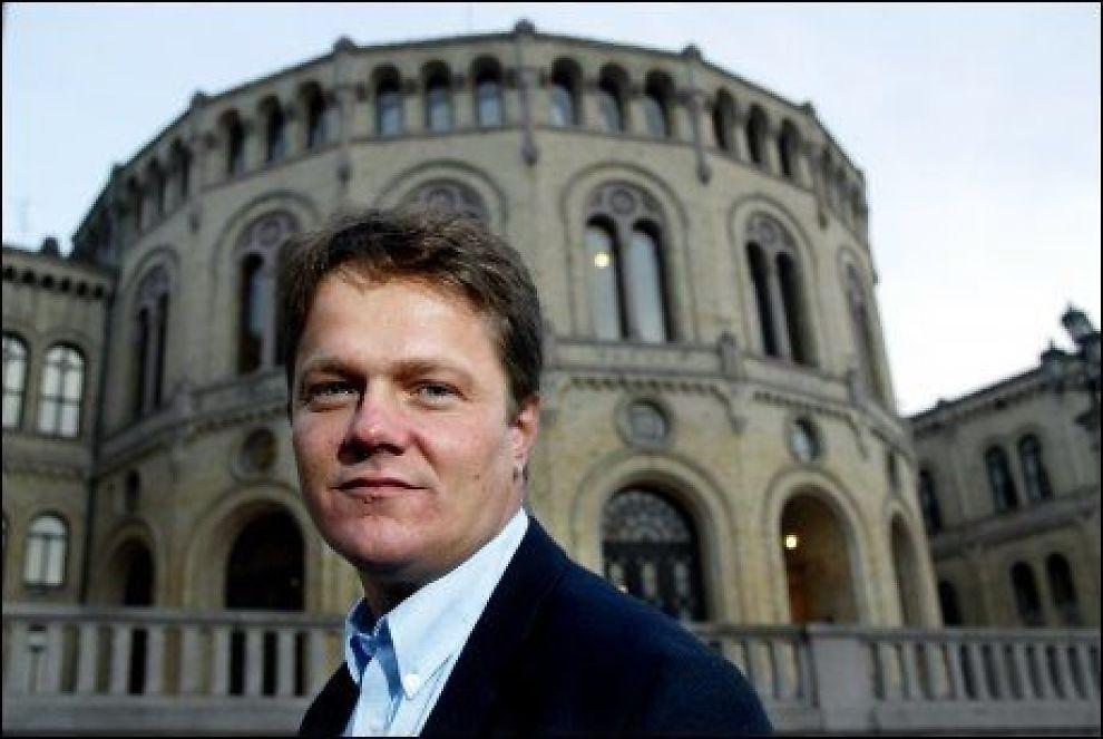 PROTEST: Ulf Erik Knudsen (Frp) har lastet opp Muhammed-karikaturen som profilbilde på Facebook. Foto: Espen Braata Foto: Espen Braata