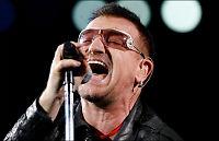 Bono og Justin synger for Haiti