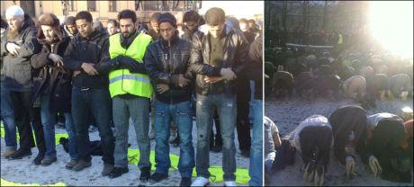 DEMONSTRASJON: Demonstrasjonen mot Muhammed-karikaturene startet med bønn på Universitetsplassen i Oslo sentrum. Foto: DANIEL ANDRESEN
