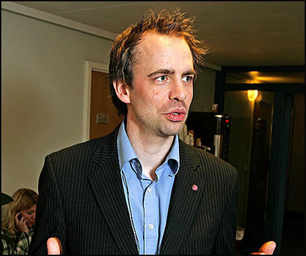 ØNSKER STORTINGSDEBATT: Arild Stokkan-Grande (Ap) ønsker minoritetskvinners dobbeltliv opp i Stortinget. Foto: Trond Solberg/VG