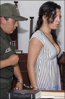 TILTALT: Madelaine Rodriguez (23) har så langt nektet straffskyld. Onsdag starter rettssaken i Cochabamba. Foto: AP