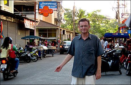 NORMALT: Livet går sin vante gang i Pattaya, sier Dag A. Ekeberg, som er redaktør for avisen Pattaya Tidende. Foto: Privat