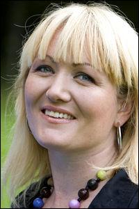 GRÜNDER: Silje Vallestad gjør det godt med sin nye mobiltjeneste, men den får kritikk for å overvåke barn. (Foto: NTB Info)
