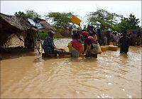 Først tørke, så flom sør for Sahara