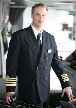 HAR STOR: Kaptein Hernan Zini. Foto: ROYAL CARIBBEAN