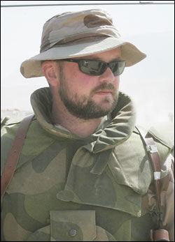 INNRØMMER FEIL: Forsvarssjefens talsmann John Inge Øglænd. Bildet er tatt i Mazar-i-Sharif i Nord-Afghanistan i 2006. Foto: Scanpix