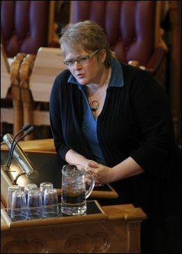 SKUFFET: Venstreleder Trine Skei Grande synes det er en trist dag for alle som ønsker et sterkere personvern. Foto: Scanpix