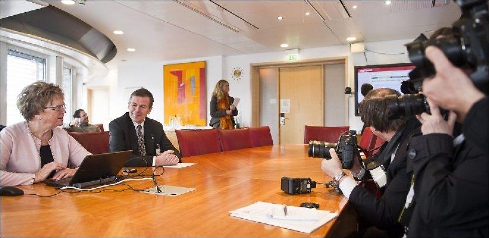 LANSERTE DIGIPOST: Her er samferdselsminister Magnhild Meltveit Kleppa og konsernsjef i Posten, Dag Mejdell, under pressekonferansen om Postens nye digitale postsystem Digipost. Foto: Scanpix