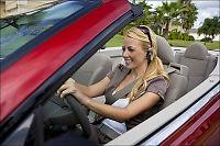 Foreslår nye regler for mobilbruk i bilen