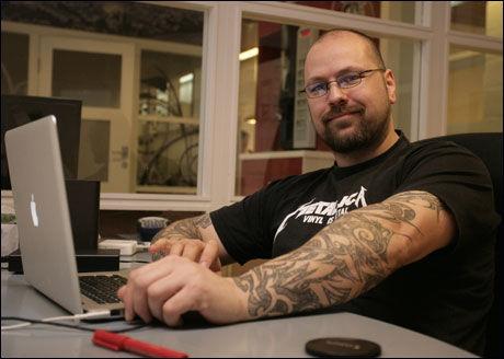 LAGER FILM: Thomas Hansvoll er i ferd med å gjøre ferdig filmen om «Team Hellboy». Foto: Kyrre Merg