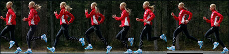 EFFEKTIVT: - God fremdrift, og lite opp og ned bevegelse indikerer at Kirsten Marathon Melkevik har gode tekniske løsninger og en effektivt løpsteknikk, sier topptrener Espen Tønnessen. Disse bildene viser godt hvordan hun beveger seg fremover, og minimalt lite opp og ned. Foto: Hallgeir Vågenes