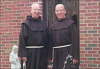 Eneggede tvillingbrødre (92) døde på samme dag