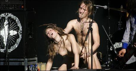 SCENE-SEX: Gruppen Fuck for forest fikk stor oppmerksomhet da to av medlemmene hadde sex under en konsert på Quart-festivalen i 2004. Foto: Heiko Junge / SCANPIX