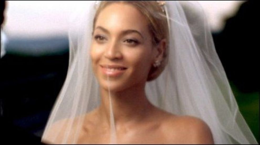 GIFTER SEG I VIDEO: Beyonce Knowles (29) i sin aller ferskeste musikkvideo. Foto: WENN