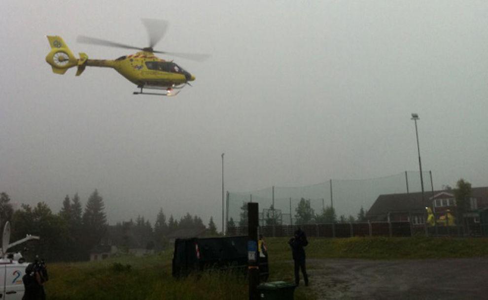 DÅRLIG SIKT: Totalt fem luftambulanser skal være i området rundt Utøya, men dårlig vær gjør det vanskelig å fly. Foto: RUNE THOMAS EGE/VG