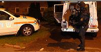 Politiet ransaker pågrepnes leilighet