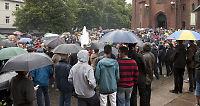 Flere tusen gikk i fakkeltog i Moss