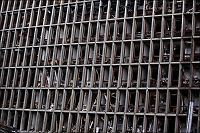 «Noen steder er kontorene helt tomme. Alt inventaret er blåst over i naborommet»