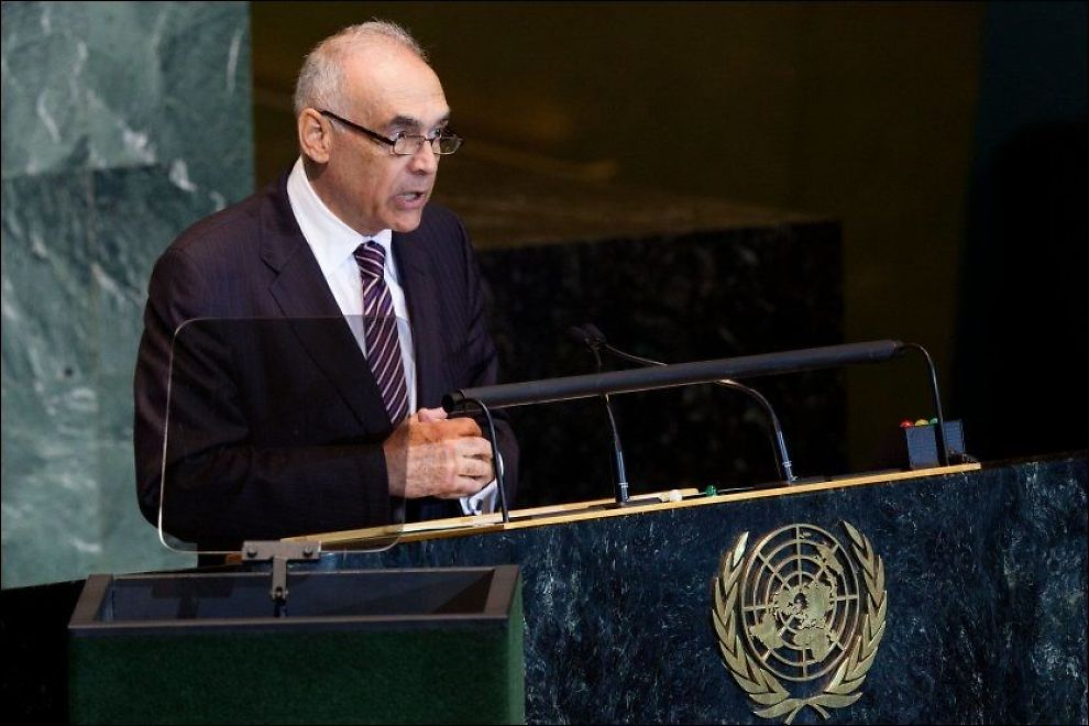 Egypts utenriksminister Mohamed Kamel Amr på talerstolen under FNs hovedsamling lørdag. Foto: AP